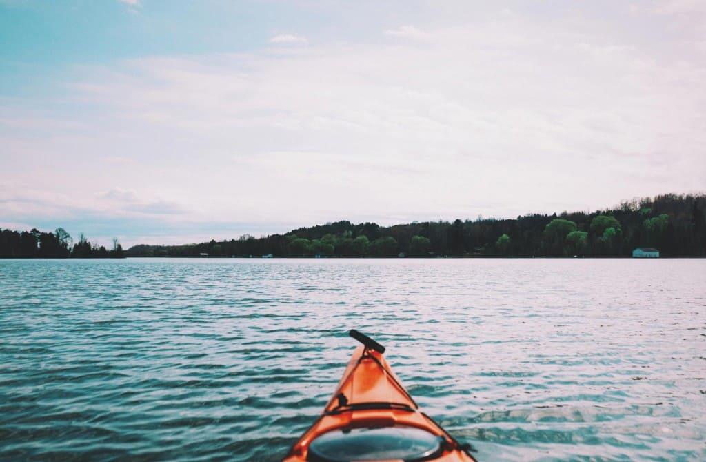 kajak-kayak-lake-6529_LR
